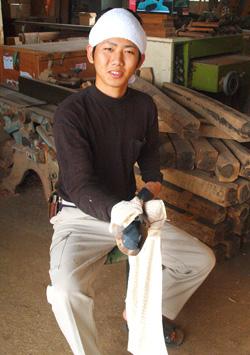 与儀昌樹(まさき)さん(19歳)宮古木工芸