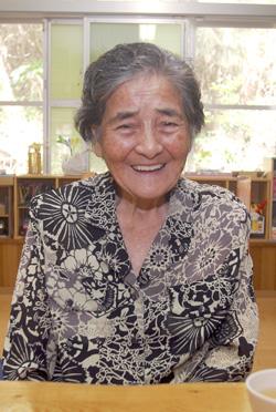 友利 ハルさん(87歳)(城辺字長間)